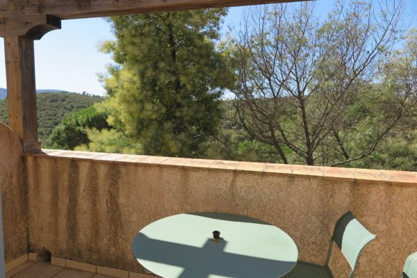 For sale apartment Grimaud - 2 rooms appartment in a residence with pool near the village
