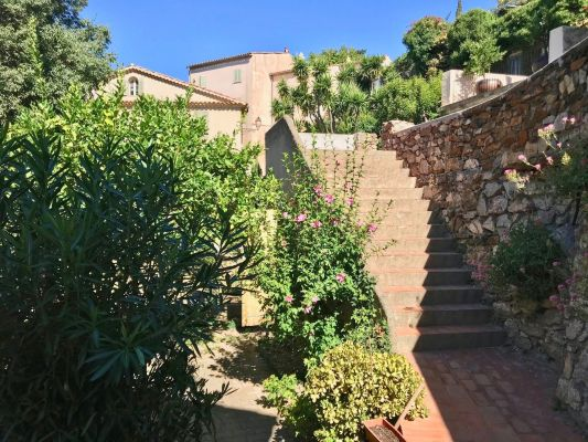 For sale village house Grimaud - Village house in Grimaud with terrace and garden
