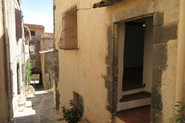 For sale village house Grimaud - Village house of 100 m2