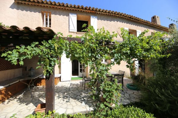 For sale house, villa Grimaud - 4 bedrooms house with walking access to the village
