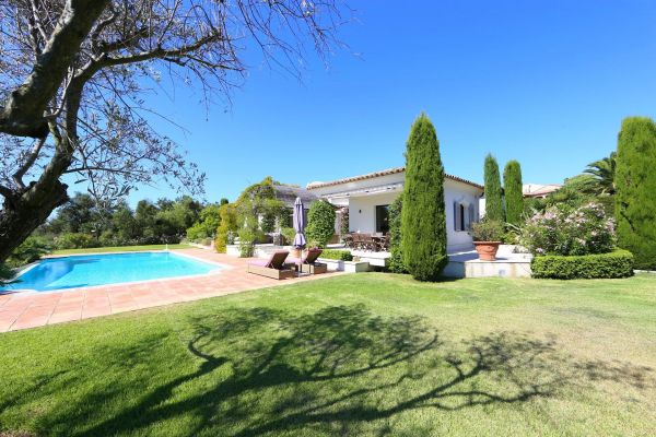 For sale house, villa Grimaud - Property on one level of high standing with sea view