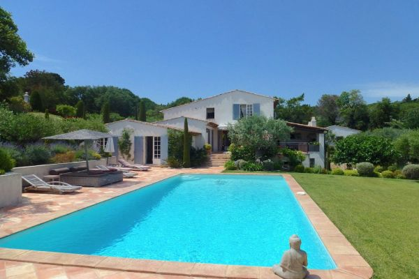 For sale house, villa Grimaud - Villa with pool and 6 bedrooms near the golf of Beauvallon