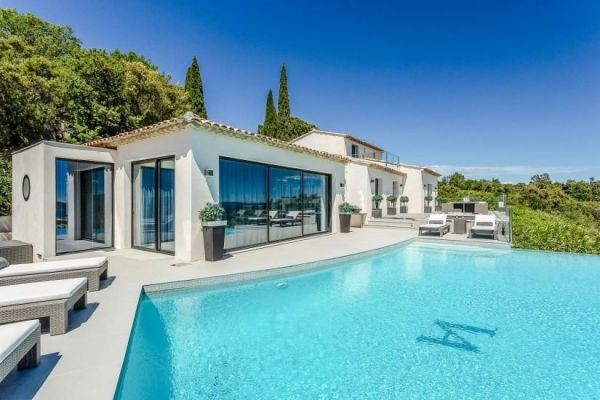 For sale house, villa Grimaud - Contemporary villa with panoramic view of the Bay of St Tropez
