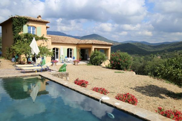 For sale house, villa Cogolin - Provençale villa on the heights between Grimaud and Cogolin