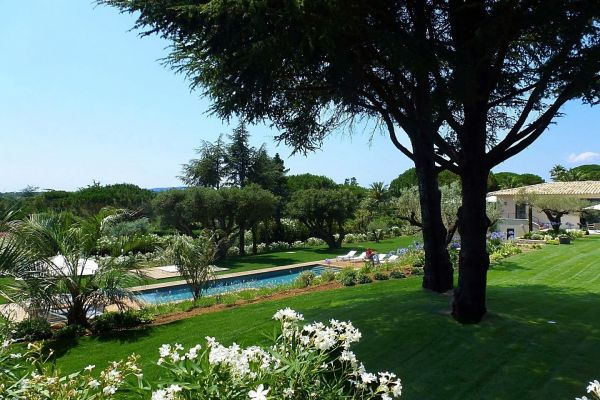 For sale house, villa Saint-Tropez - Contemporary villa in private domain Les Parcs de St Tropez