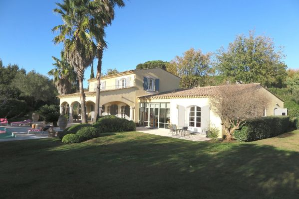 For sale house, villa Grimaud - 7 rooms house with pool near the village