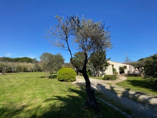 For sale house, villa Grimaud - Bungalow villa with 6 bedrooms close to the village