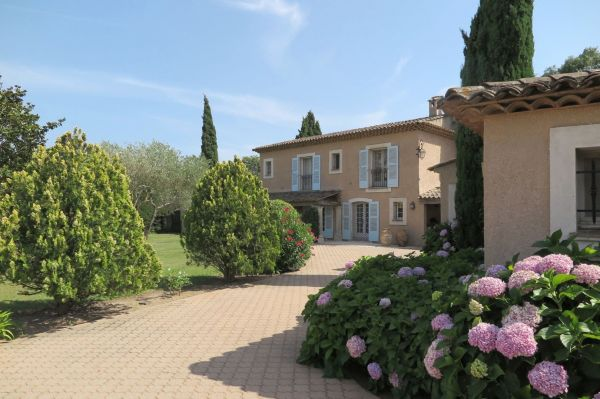 For sale house, villa Grimaud - Property with vineyards near Port Grimaud